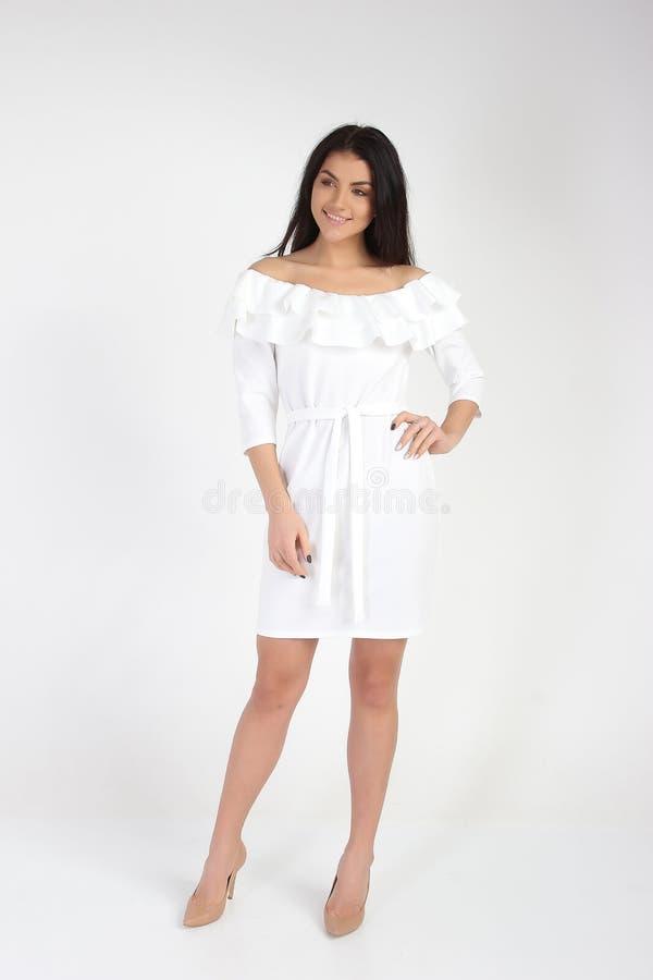 Mody fotografia młody piękny kobieta model w sukni obrazy stock
