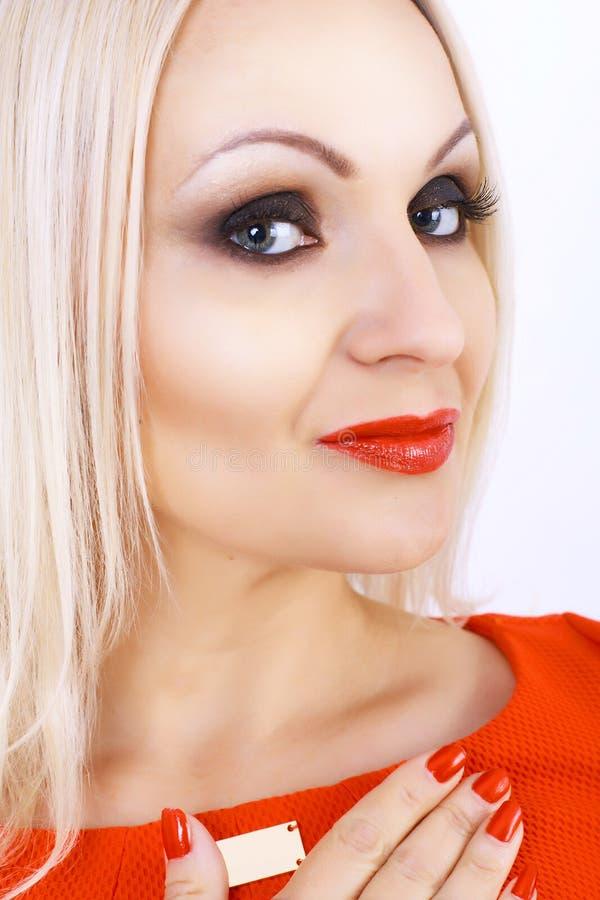 Mody kobiety portret z czerwonymi wargami fotografia stock