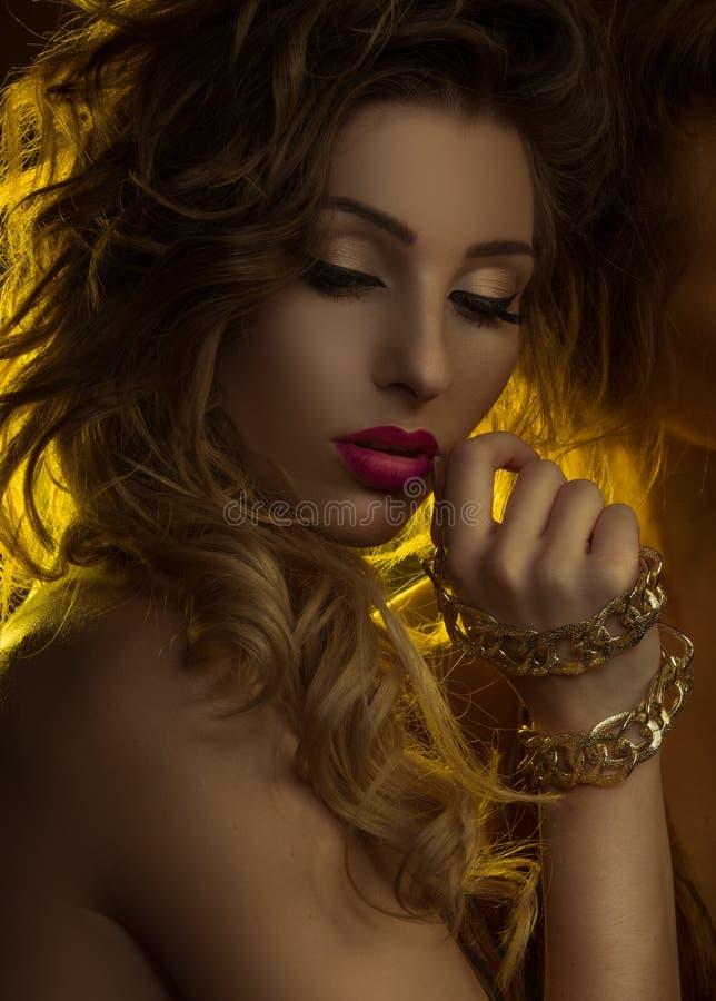 Mody piękna żeński portret zdjęcia stock