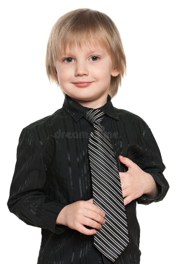 Mody preschool chłopiec w czarnej koszula zdjęcia royalty free