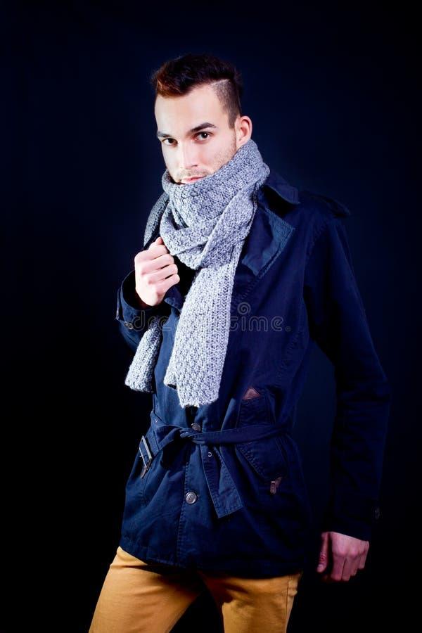 mody przystojny mężczyzna model fotografia royalty free