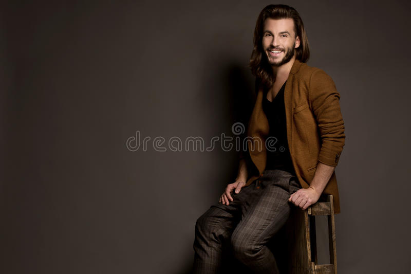 Mody stylowa fotografia młody człowiek obraz stock