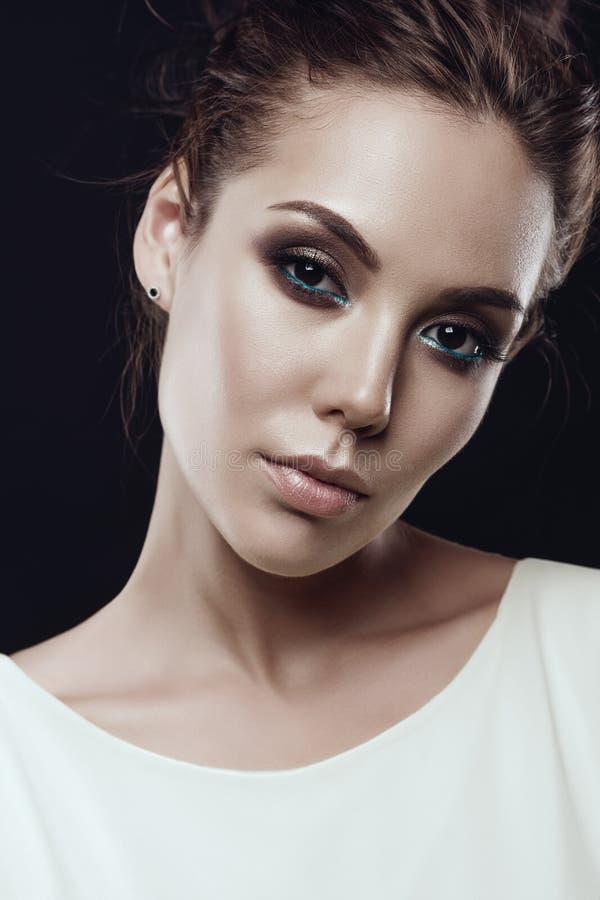 Mody sztuki fotografia piękna brunetki dama obrazy stock