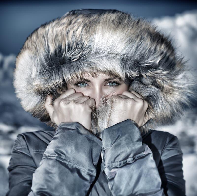 Mody zimy czasu spojrzenie zdjęcia royalty free
