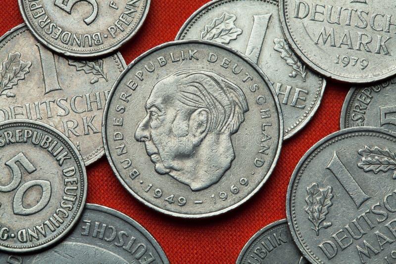 Moedas de Alemanha Homem político alemão Theodor Heuss fotografia de stock royalty free