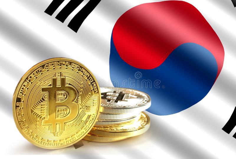 Moedas de Bitcoin na bandeira de Coreia, foto do conceito de Cryptocurrency fotos de stock royalty free