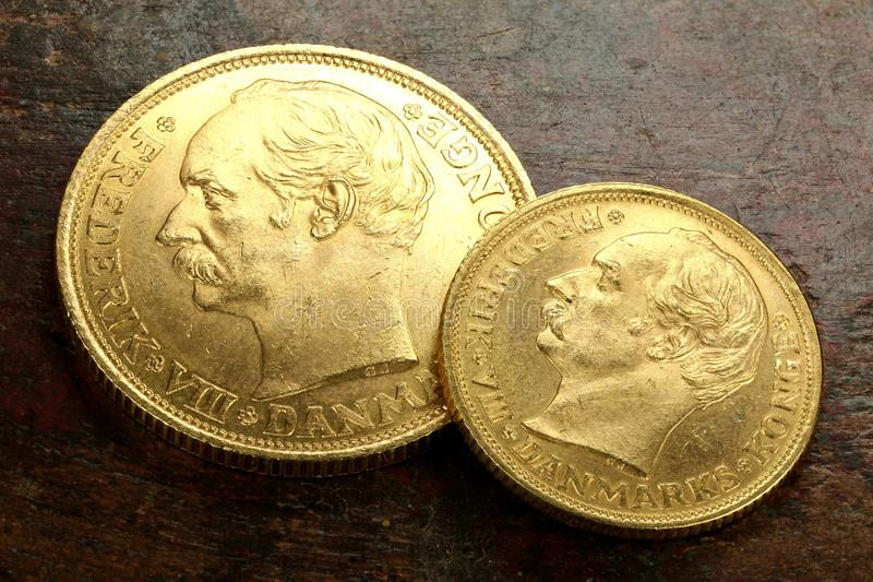 Moedas de ouro dinamarquesas foto de stock