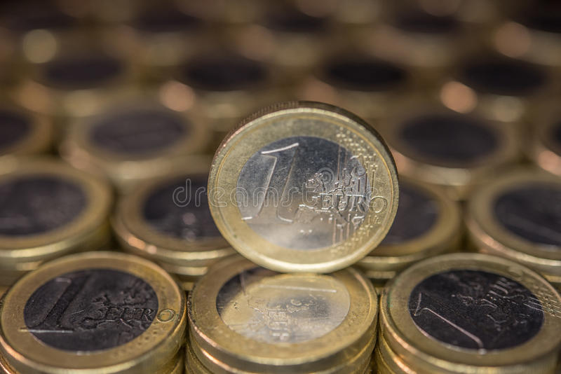 Moedas de um Euro imagem de stock