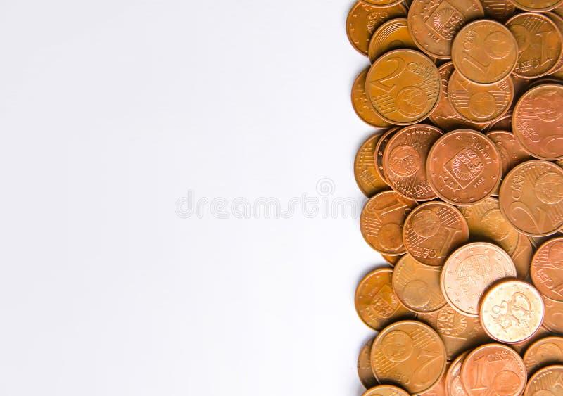 Moedas do Euro da denominação diferente liberadas por Letónia imagem de stock