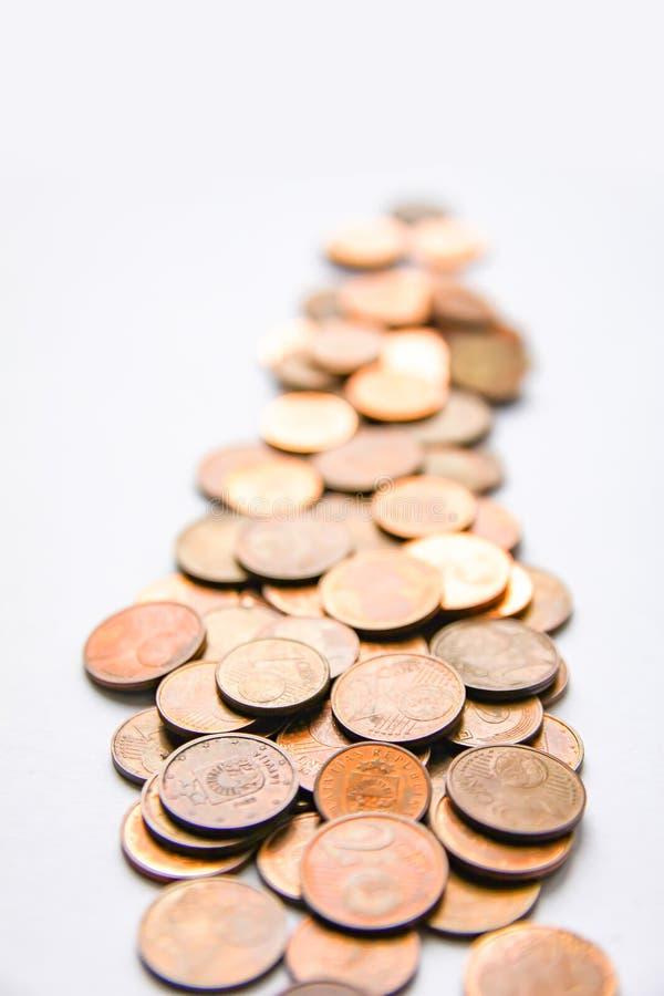 Moedas do Euro da denominação diferente liberadas por Letónia fotos de stock royalty free