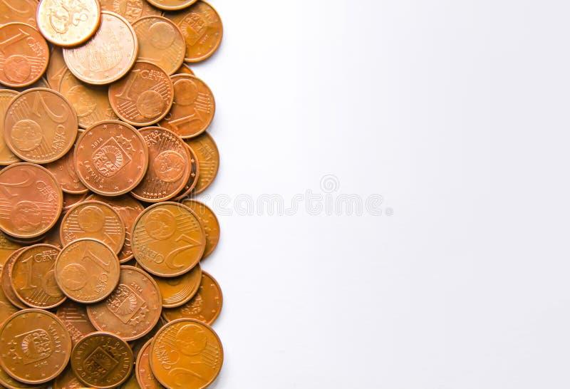 Moedas do Euro da denominação diferente liberadas por Letónia fotos de stock