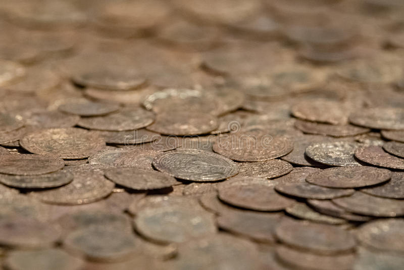 Moedas douradas medievais velhas fotografia de stock