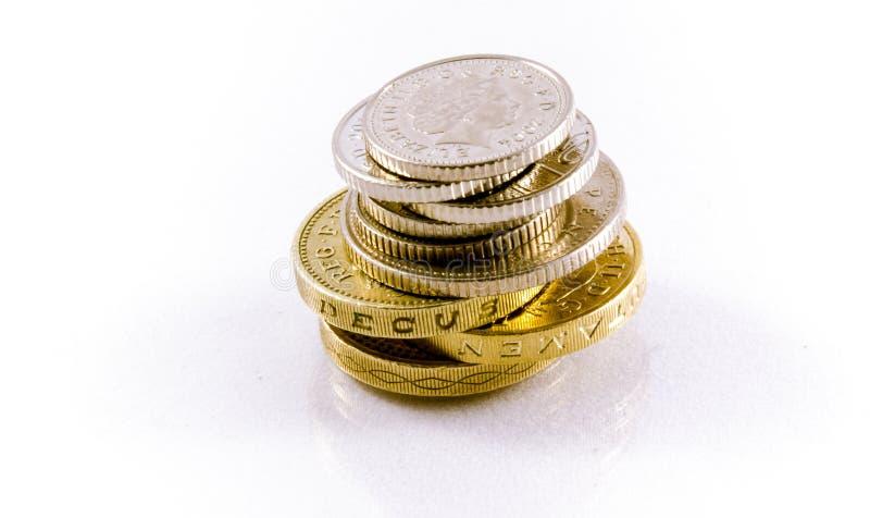 Moedas isoladas no fundo branco, moeda BRIT?NICA fotos de stock royalty free