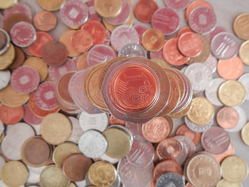 Moedas na moeda europeia imagens de stock