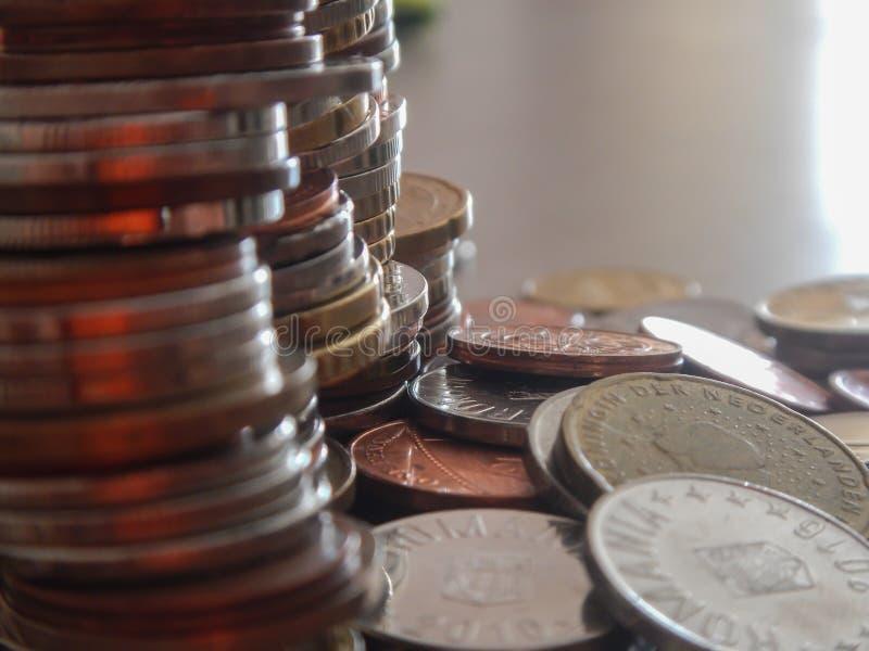 Moedas na moeda europeia fotografia de stock royalty free