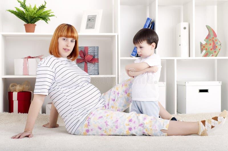 Moeder en baby, huisdecor royalty-vrije stock foto