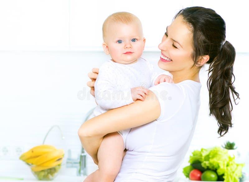 Moeder en baby samen Het op dieet zijn concept royalty-vrije stock foto's