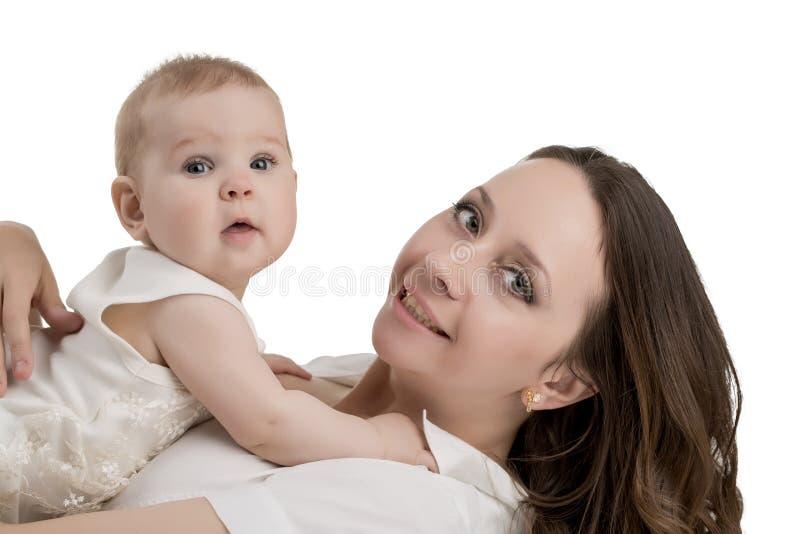 Moeder en Kind Portret dat op wit wordt geïsoleerdr stock afbeeldingen