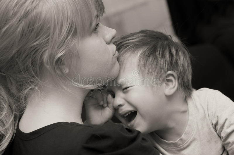 Moeder en schreeuwend kind