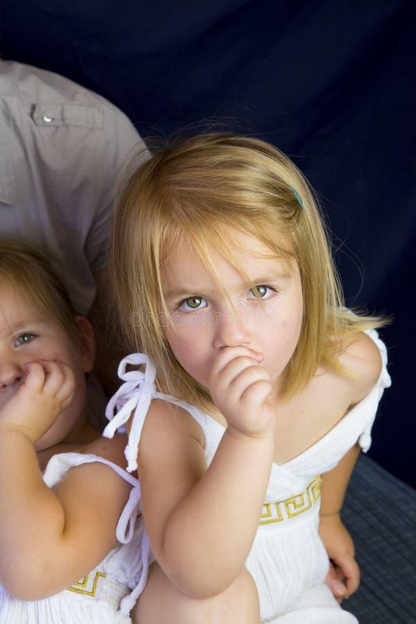 Moeder en tweelingmeisjes royalty-vrije stock afbeelding