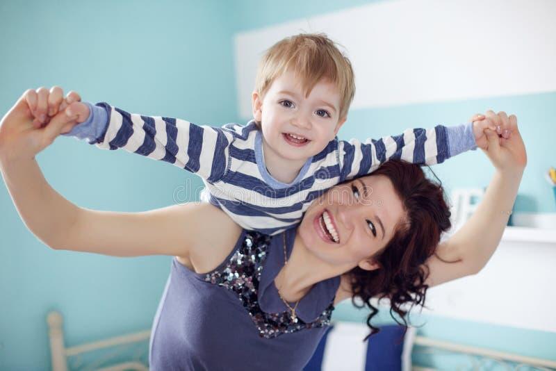 Moeder met kind stock fotografie