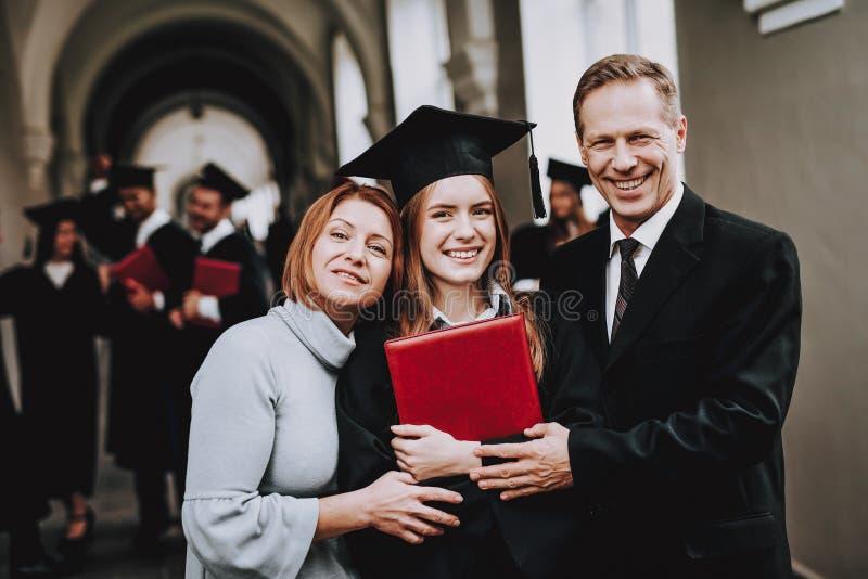 moeder vader dochter ouders gelukwens stock afbeeldingen