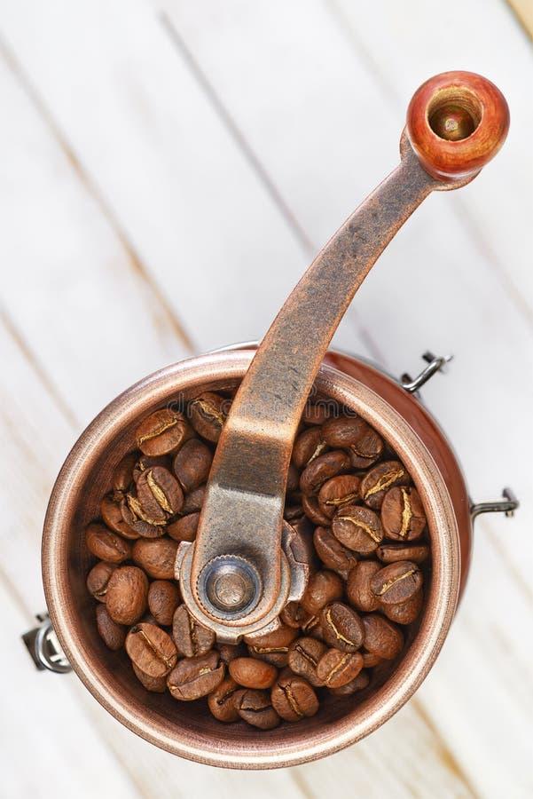 Moedor de café ou moinho manual da rebarba imagem de stock