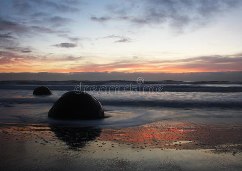 Download Moeraki Boulders New Zealand Stock Image - Image: 28732411