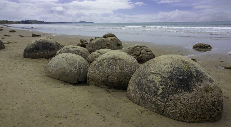 Moeraki stenblockNya Zeeland dagsutflykt arkivbild