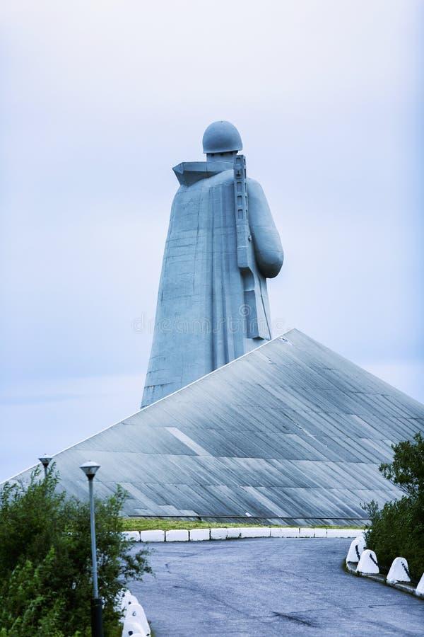 Moermansk, Rusland, 08 29 2017: Monument aan de dode militairen van Alesha Mening van de rug royalty-vrije stock foto's