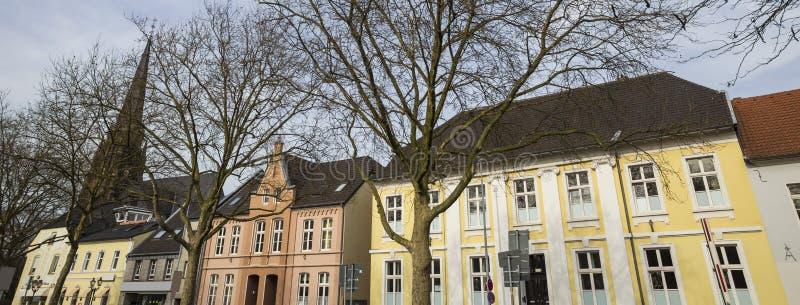 Moers Tyskland för några historiska byggnader fotografering för bildbyråer