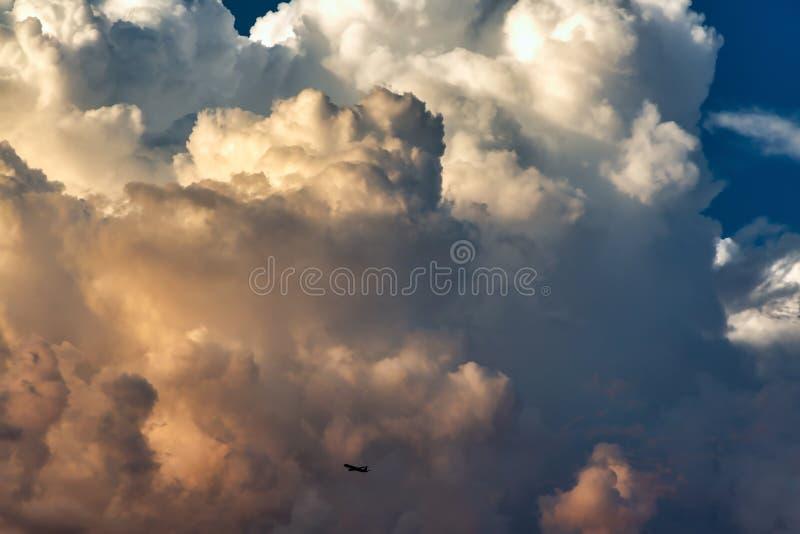 Moessononweerswolken royalty-vrije stock foto