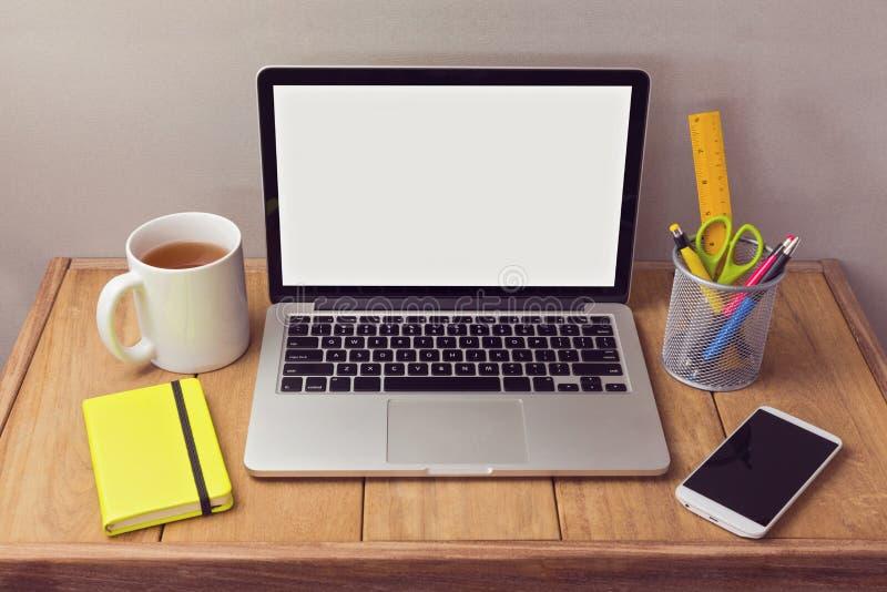 Mofa del escritorio de oficina para arriba con los for Articulos de oficina