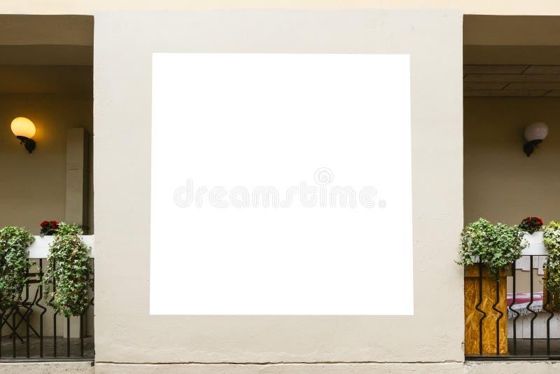 Mofa para arriba Cartelera en blanco, marco del cartel, haciendo publicidad en el pared fotos de archivo libres de regalías