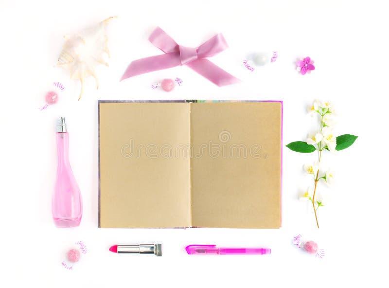 Mofa para arriba con el cuaderno imagen de archivo libre de regalías