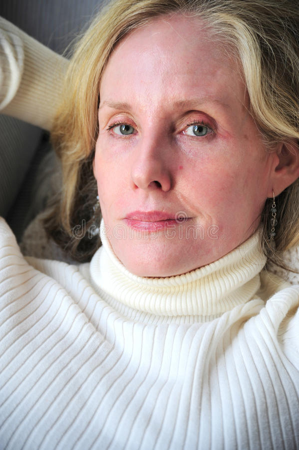 mogen blond kvinnlig för skönhet royaltyfri foto