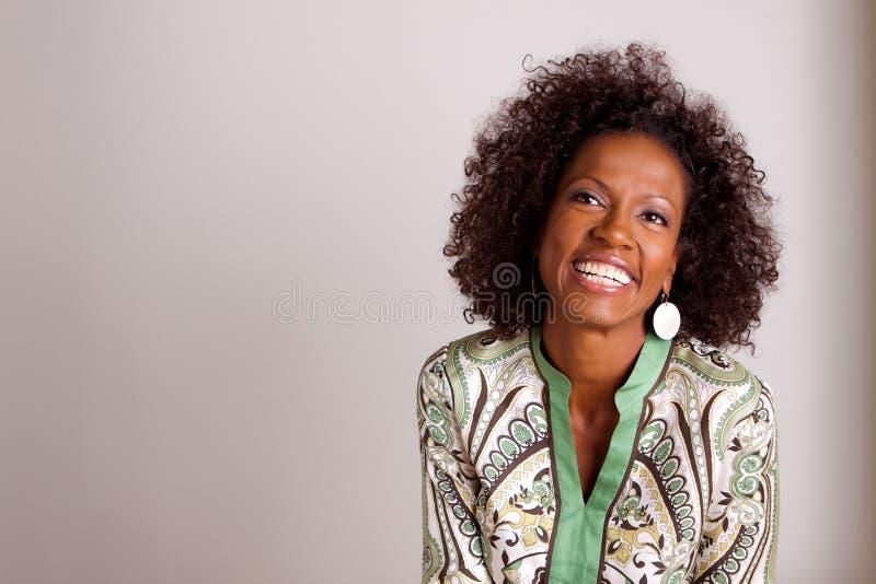 Mogen kvinna för afrikansk amerikan royaltyfria bilder