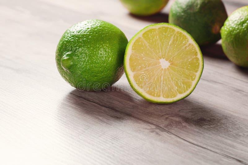 mogen limefrukt arkivbild