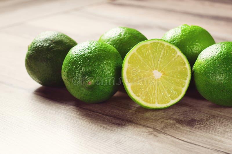 mogen limefrukt arkivfoto