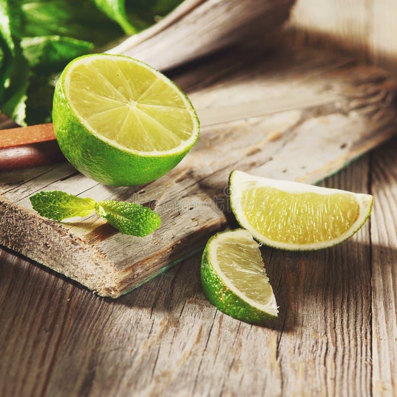 mogen limefrukt fotografering för bildbyråer