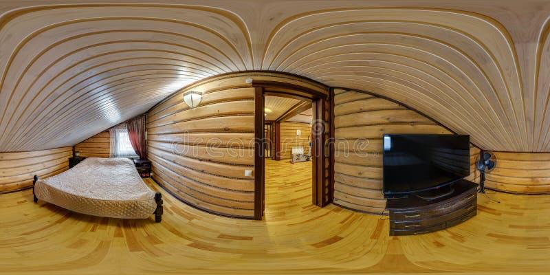 MOGILEV, БЕЛАРУСЬ - ДЕКАБРЬ 2017: панорама 360 градусов взгляда угла в деревянной спальне с ТВ в доме каникул в equirectangular стоковое фото rf