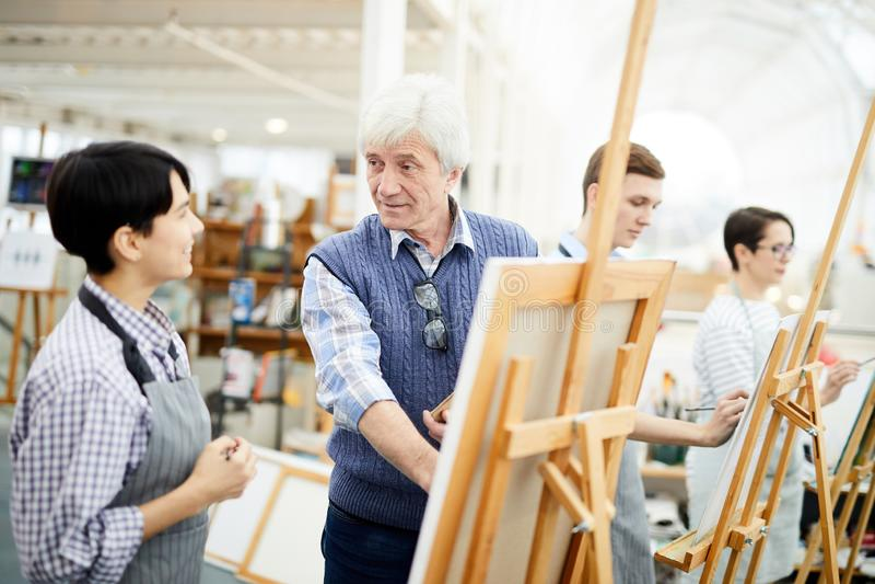 Mogna Art Teacher royaltyfri foto