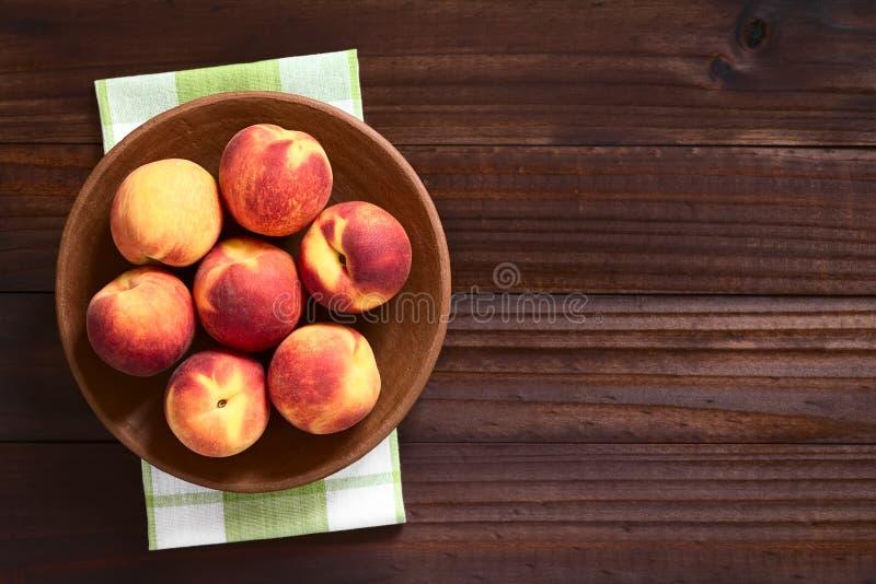 mogna nya persikor royaltyfria bilder