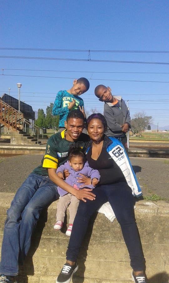 Moi et ma famille à la station de train photographie stock