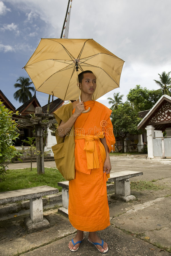 Moine Buddhistic dans Luang Prabang, Laos photos stock