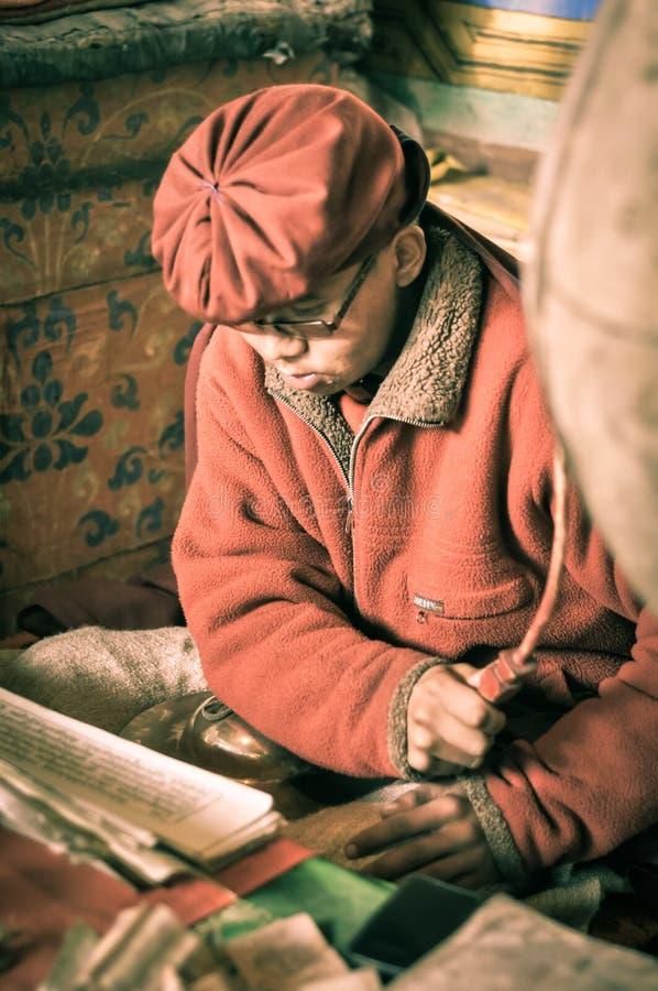 Moine dans Hemis dans Ladakh image stock
