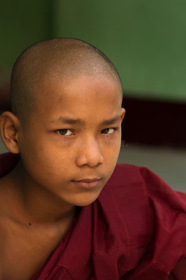Moine de novice de pagoda de Shwedagon, Yangon, Myanmar images stock