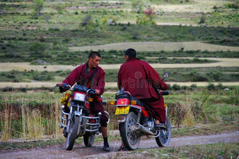 Moines tibétains image stock