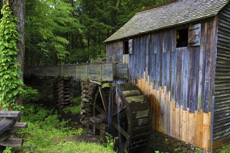 Moinho da muni??o no vale da angra de Cades em Tennessee Smoky Mountains foto de stock royalty free