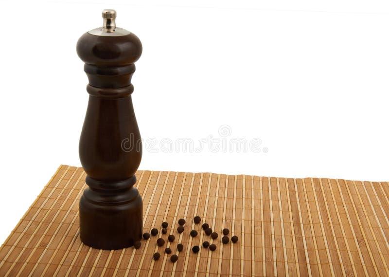 Moinho de pimenta e Peppercorn fotos de stock
